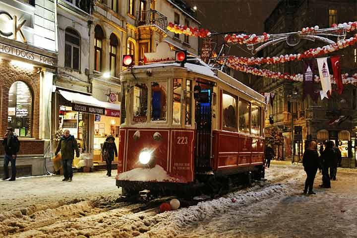 خیابان استقلال| معروفترین خیابان استانبول