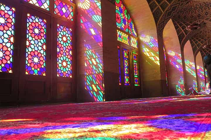مسجد نصیرالملک ( مسجد صورتی ) شاهکار معماری ایران + عکس