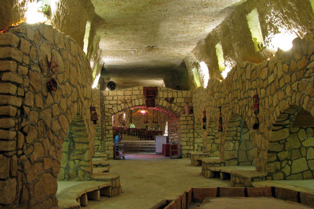 شهر زیرزمینی کاریز | جاذبه های دیدنی کیش