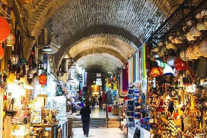 ارزانترین مراکز خرید ازمیر ، از بازارهای محلی تا اوتلتها - بازار تاریخی کمرالتی