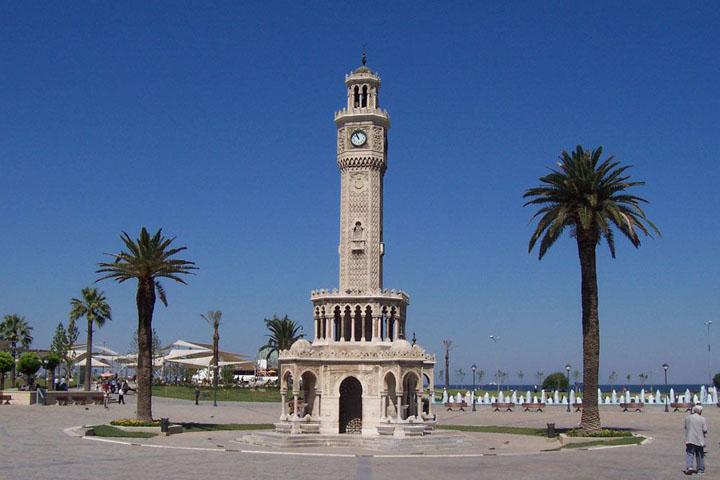 Izmir Clock Tower نماد شهر ازیمر است