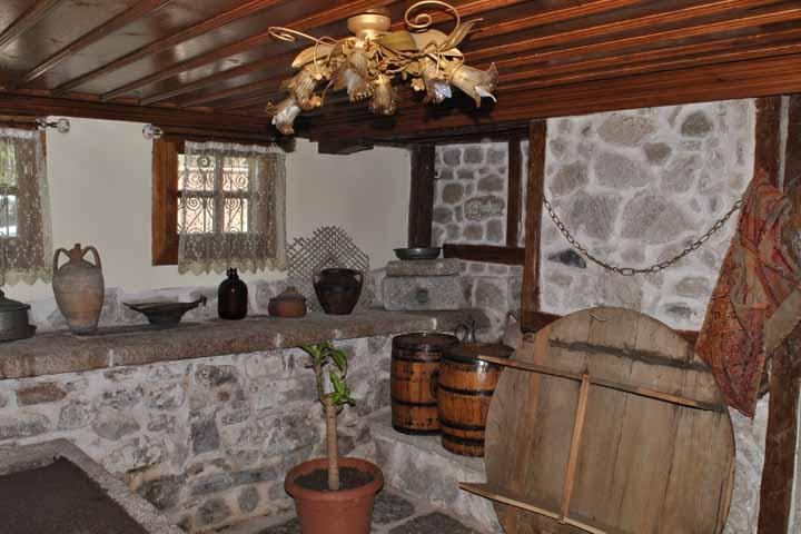 سفر زمینی به ارمنستان (ایروان) ، راهنمای یک سفر پرخاطره - خانه بومی