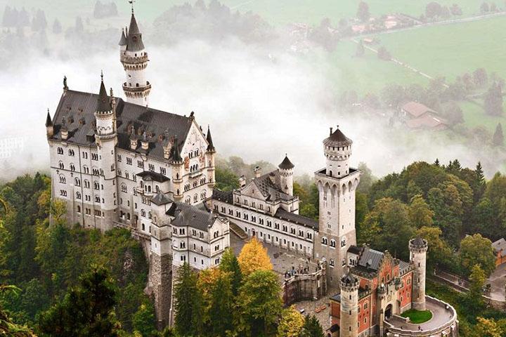 قلعهی نیسوانستاین آلمان