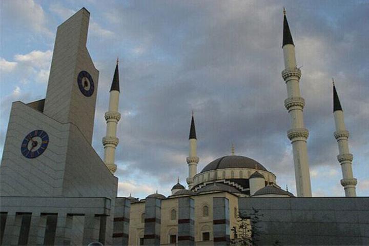 مسجد حاجی بایرام | جاهای دیدنی آنکارا