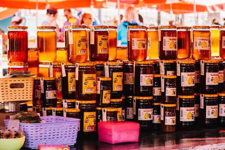 عسل طبیعی از سوغاتیهای مشهور زاگرب است