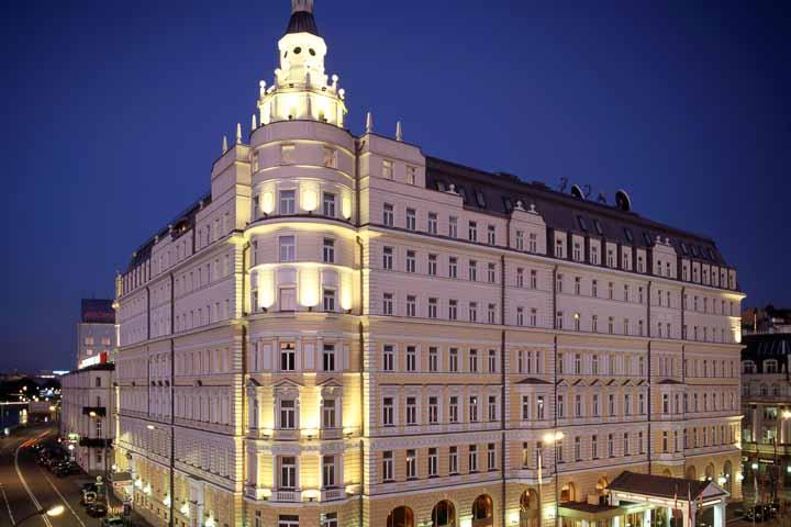بهترین رستوران های مسکو و هتلهای گران و افسانهای آن ۱۱