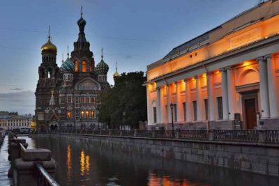 سفر به سن پترزبورگ ، پنجرهای به اروپا ۱