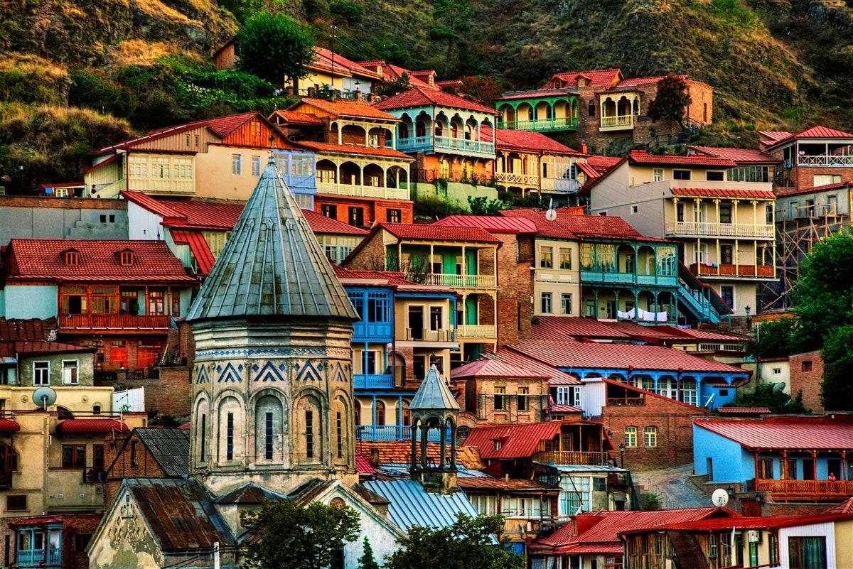 سفر به تفلیس برای آنها که شیفتهی زیباییهای گرجستان هستند