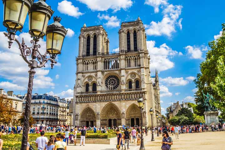 کلیسای استثنایی Cathédrale Notre-Dame در قلب پاریس