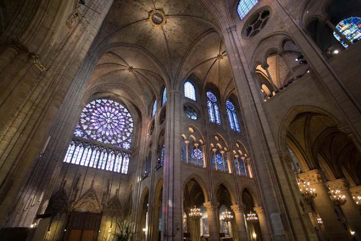 نمای داخلی کلیسای زیبای پاریس | Cathédrale Notre-Dame