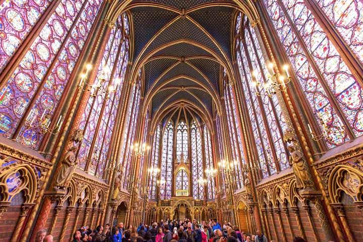 Sainte-Chapelle تنها یک کلیسای ساده نیست بلکه اوج زیبای معماری گوتیک است