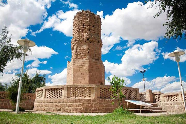 برج کلاه فرنگی شوشتر | جاهای دیدنی خوزستان