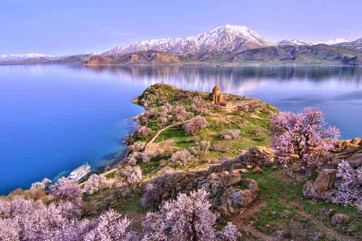 بهترین جاهای دیدنی وان ترکیه و دریاچه وان ۲