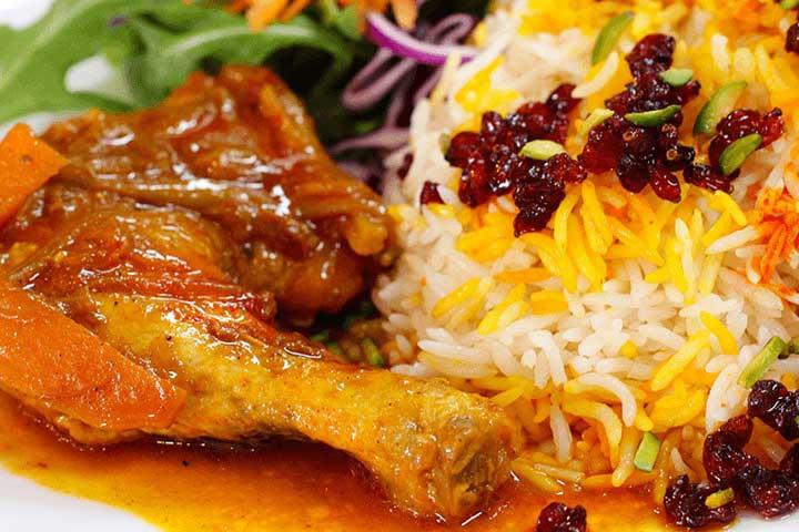 زرشک پلو یکی از بهترین، محبوبترین و مجلسیترین غذاهای ایرانی