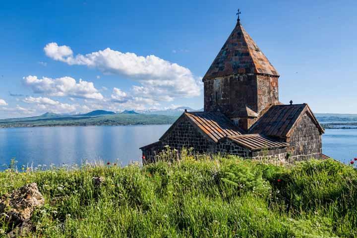 سفر به ارمنستان و لذت در سرزمین انارها ۳