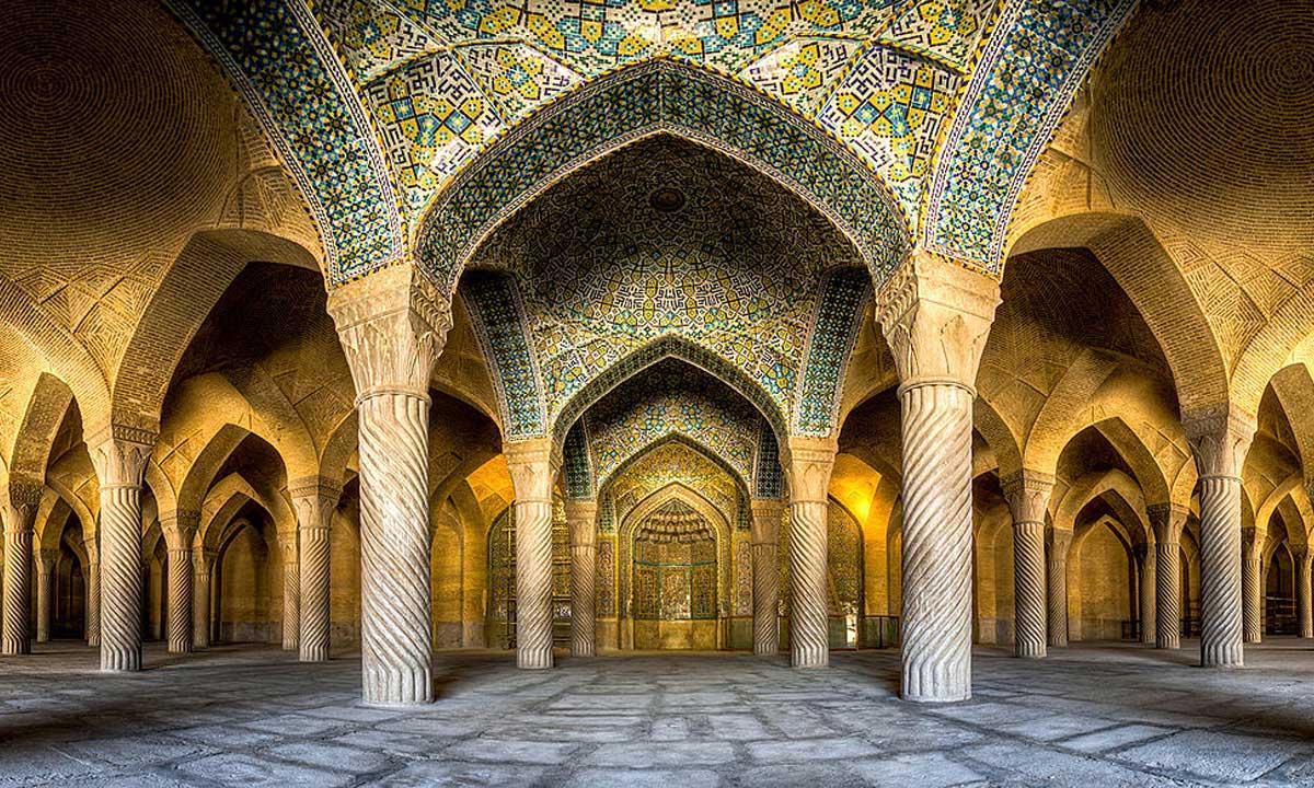 مسجد وکیل شیراز هدیه کریم خان زند به ایران