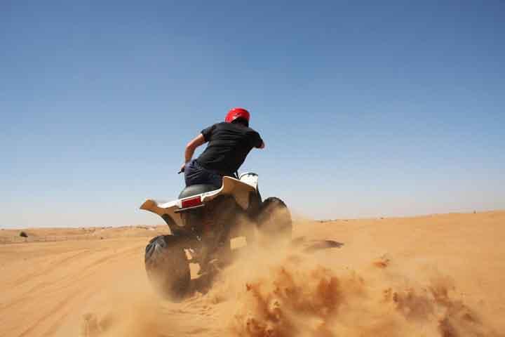 موتور چهارچرخ در کویر مرنجاب