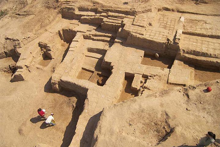 موزه و منطقه باستانی هفت تپه