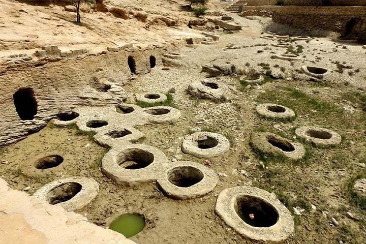 چاههای تلا | عکس جاهای دیدنی قشم