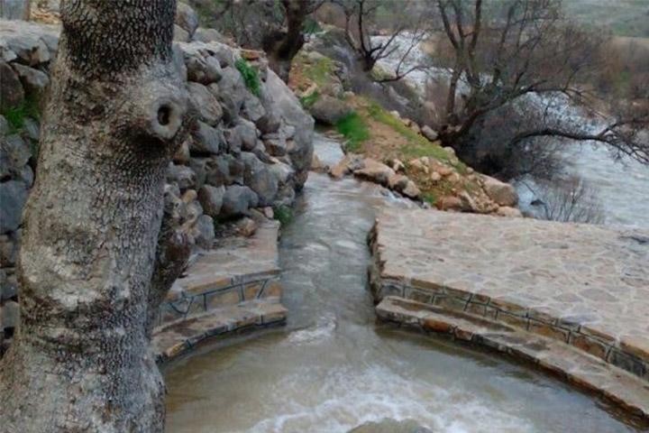 چشمه قلقل   جاهای دیدنی سمنان