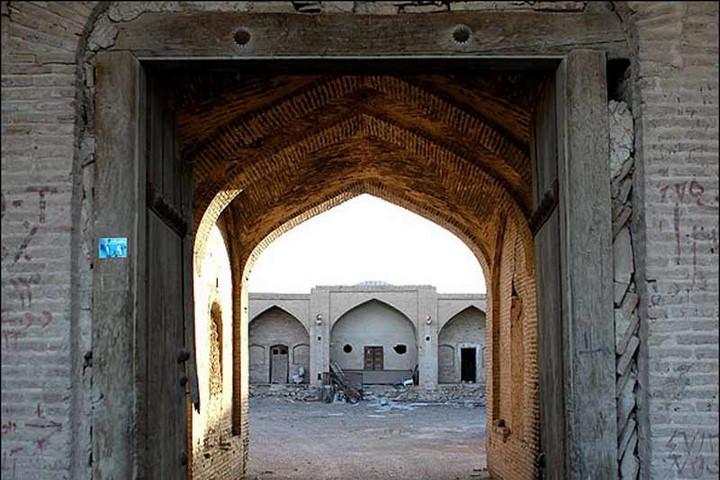 کاروانسرای خان طبس جاهای دیدنی طبس کجاست