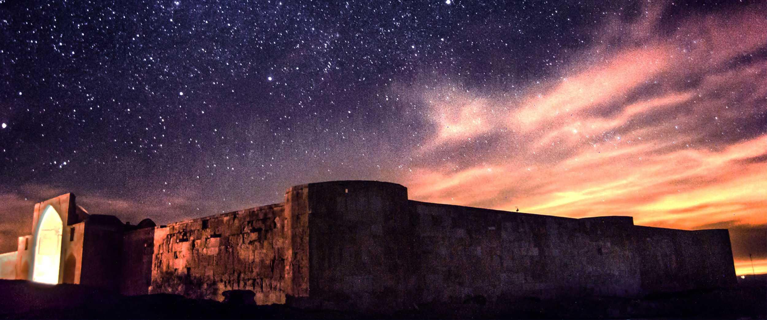 کاروانسرای قصر بهرام ، آرامشی تاریخی در دل کویر