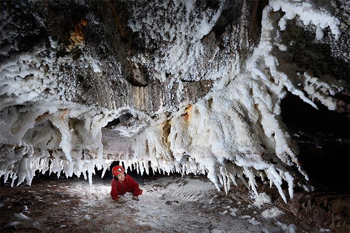 غار نمکدان کیش از مخوف ترین جاهای دیدنی قشم