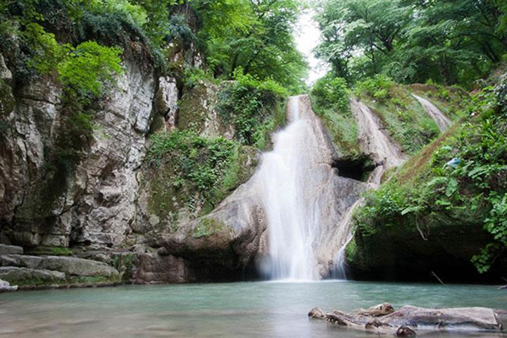 آبشار لوه | جاهای دیدنی گرگان