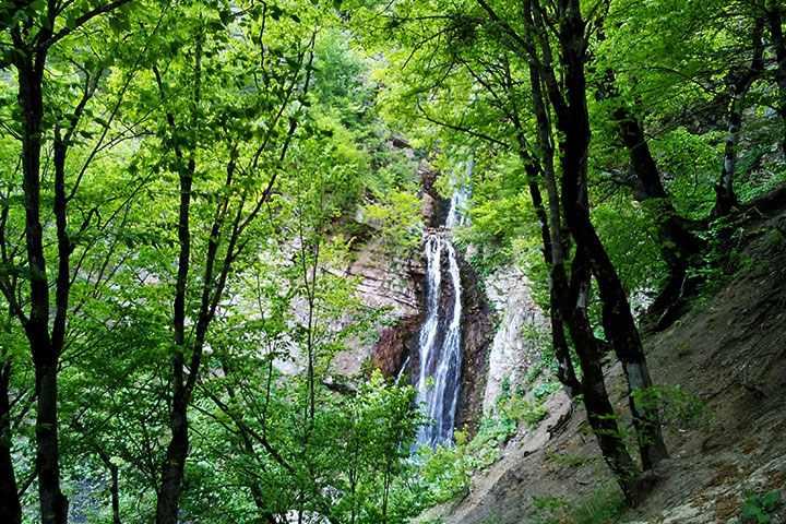 از طراوت آبشارها تا آسودگی در کنار ابرها