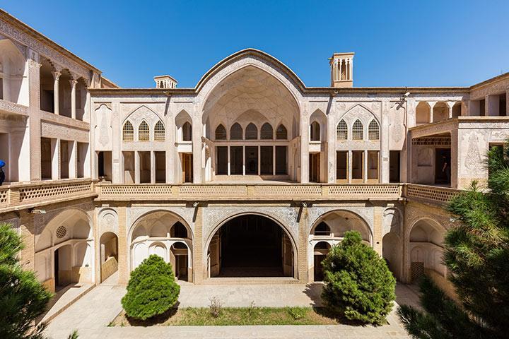 معماری منحصر به فرد خانه عباسیان