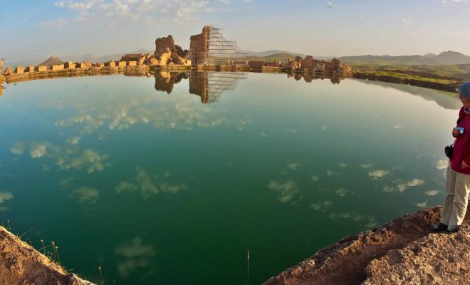 شاخص دریاچه تخت سلیمان