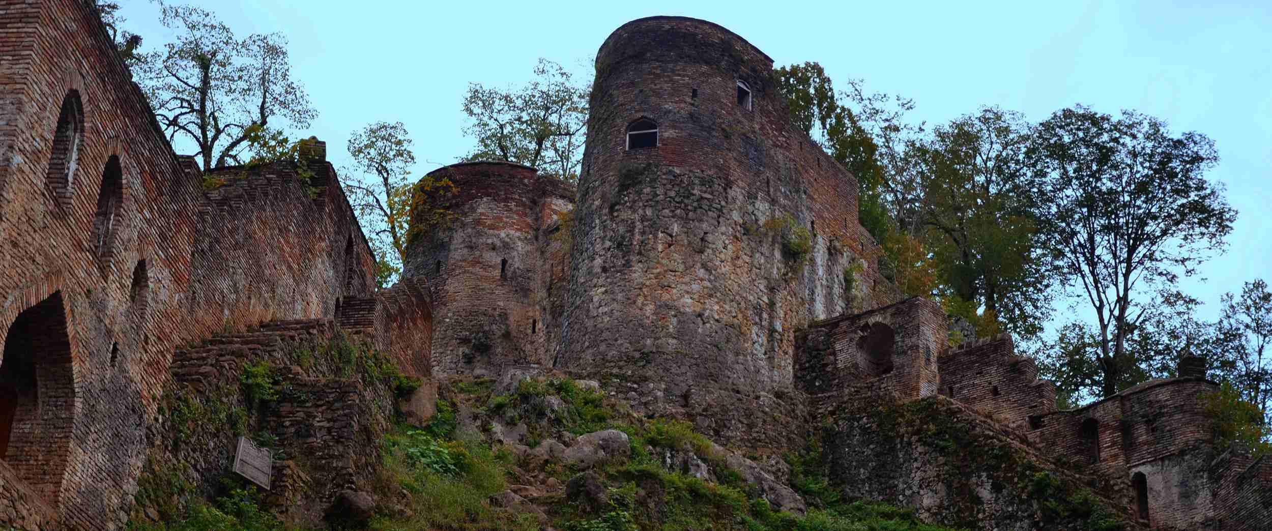 قلعه های ایران ، بازماندهای از افسانههای تاریخی