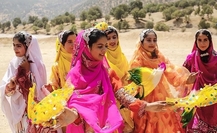 پوشش زنان قشقایی | لباس های محلی ایران