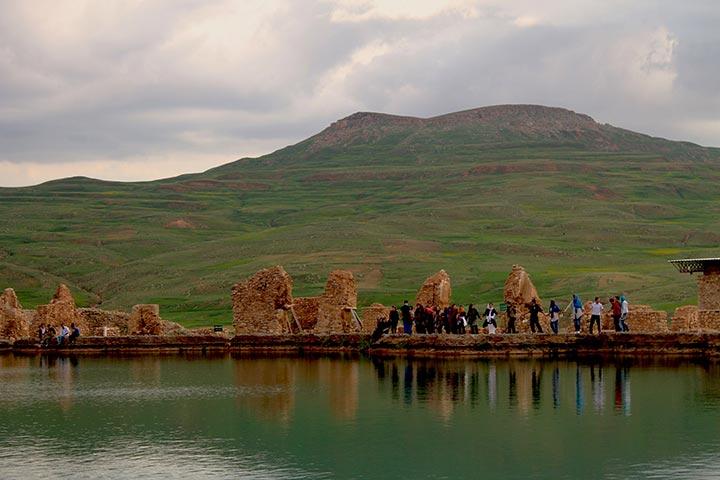 Untitled 5 17 - دریاچه تخت سلیمان کجاست؟ +تصاویر
