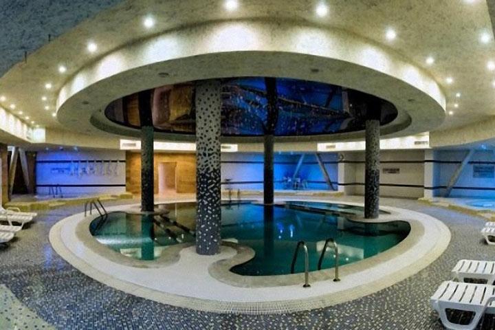 استخر هتل