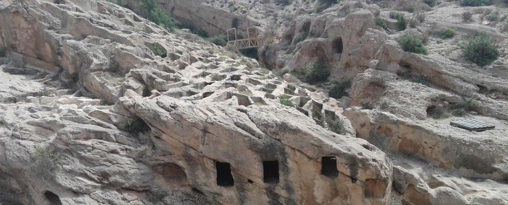 جاهای دیدنی کنگان ، شهر قدیمی و مقدس