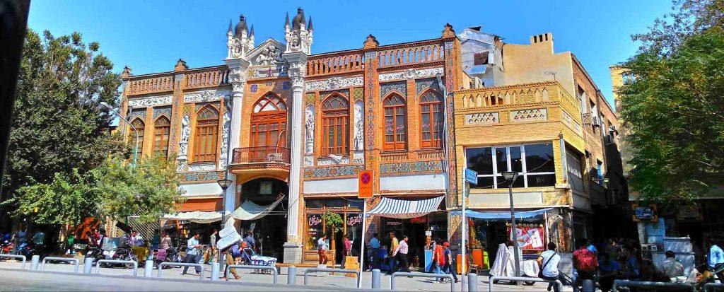 در خیابان ناصر خسرو به صدای تهران گوش کنید