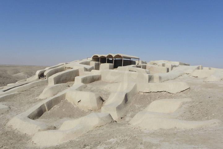 تپه باستانی شهر سوخته