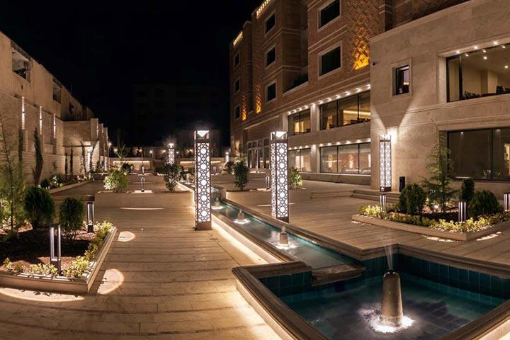 نمایی از هتل زندیه