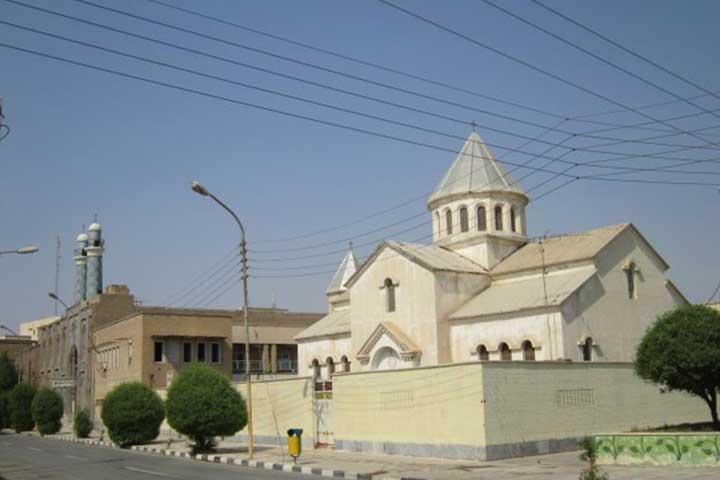 همنشینی کلیسا و مسجد