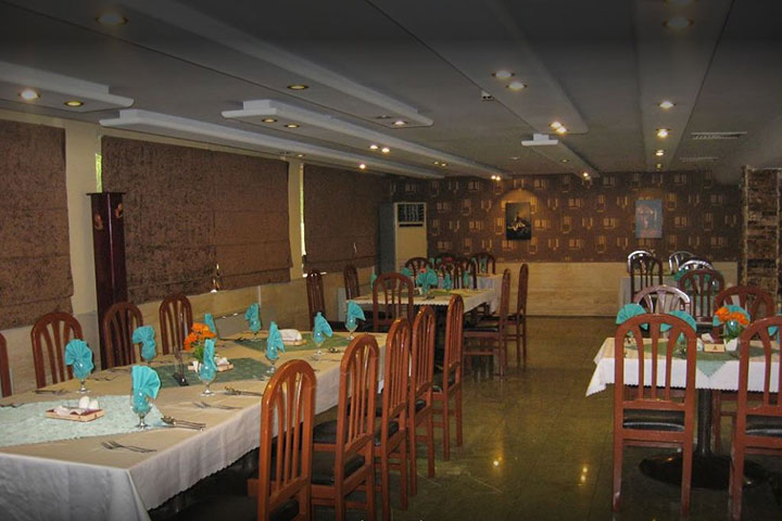 رستوران هتل پارسیان آبادان