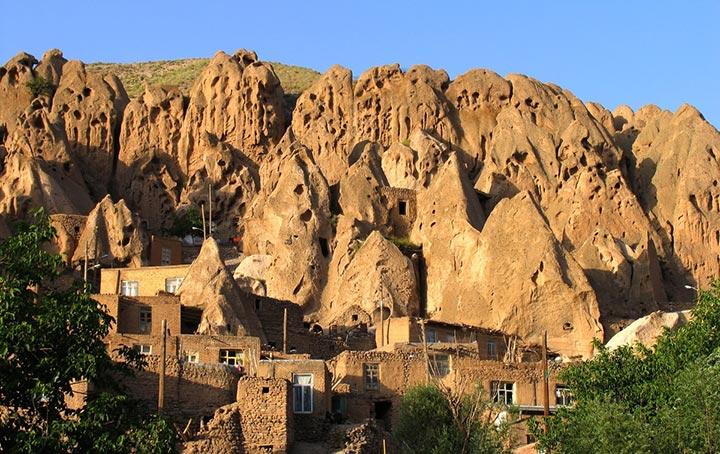 برخی بر این باور هستند که قدمت روستای صخرهای کندوان به دورههای قبل از اسلام بازمیگردد