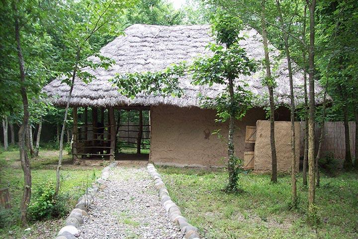 چینش خاص مسیرها در موزه میراث روستایی گیلان