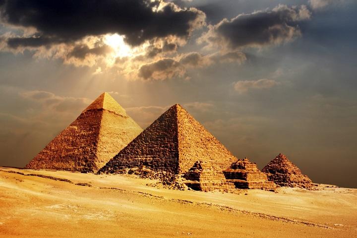 اهرام مصر ۱۰