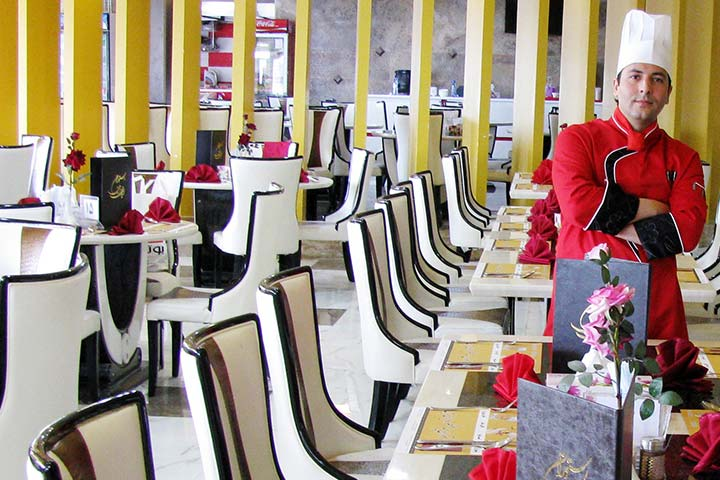رستوران ایران زمین | از بهترین رستوران های قشم