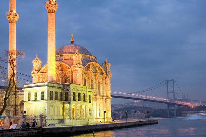 مسجد اورتاکوی مکانهای دیدنی استانبول