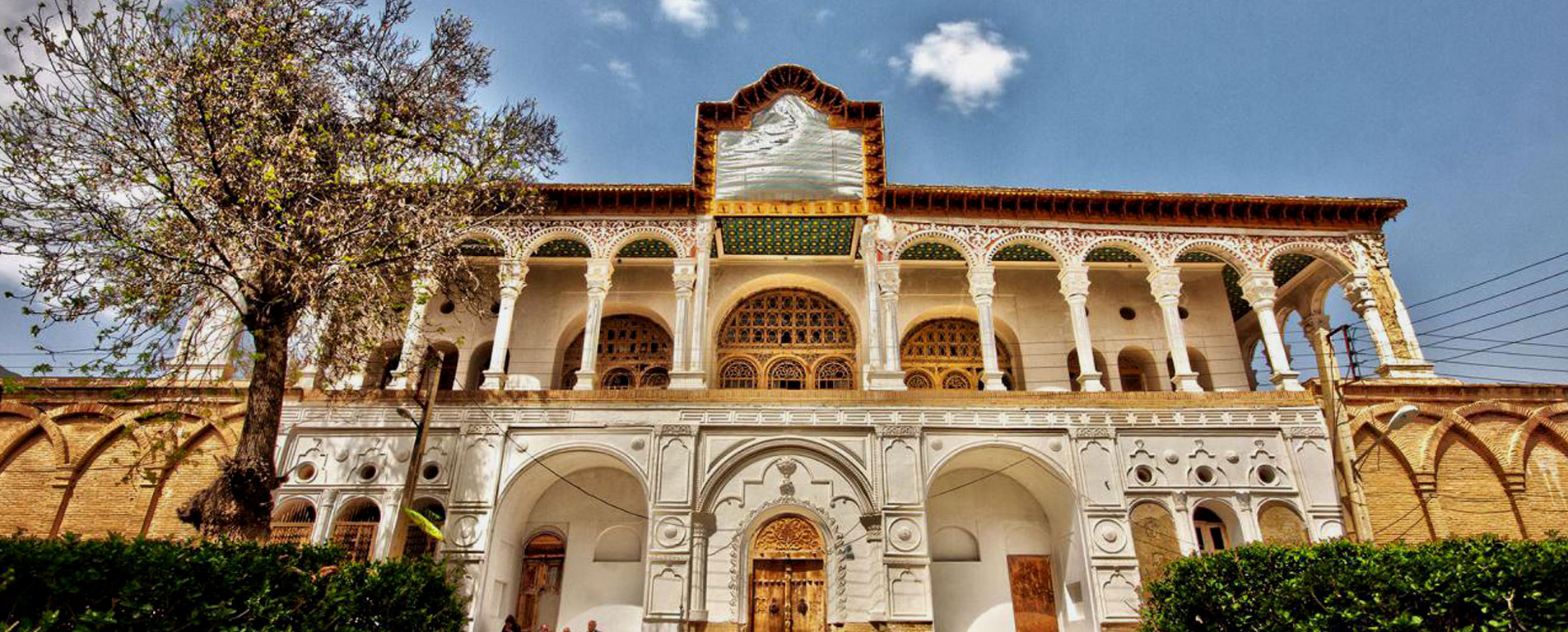 عمارت خسرو آباد ، کاخی قاجاری در سنندج