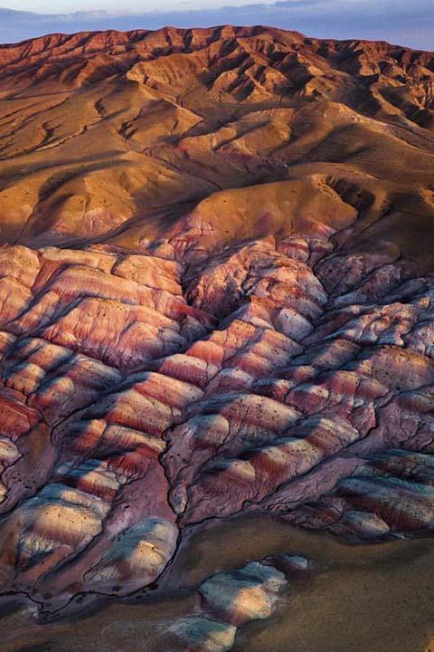 کوههای رنگی آلاداغ لار