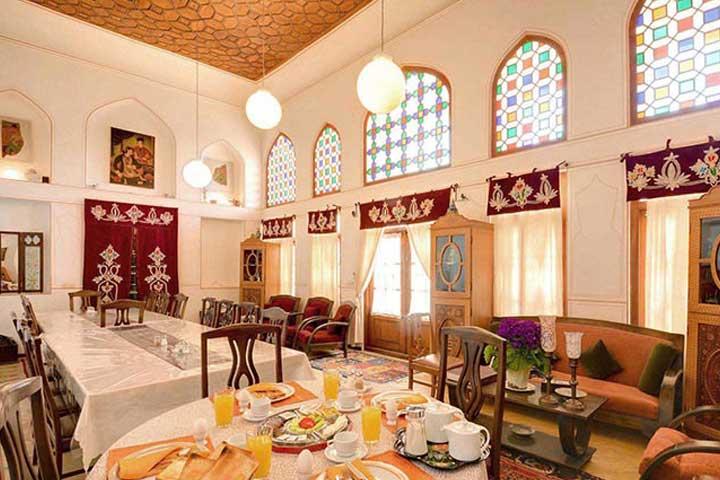 خانه ی دهدشتی