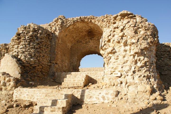 قلعه نادری | از دیدنی های بندر لافت